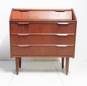 Commode secrétaire en teck. Scandinave. Design du XXème. Antiquités. www.galerie87.com