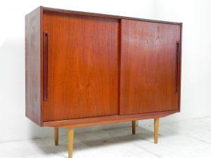 Buffet scandinave en teck. Design. Vintage. antiquités. galerie87.com