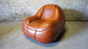 Mula Preta Design. Design. Cuir. Italien. Poltrona. Basquette chair. Galerie87.com