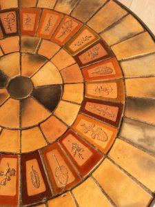 Table basse de Roger Capron, Vallauris. Antiquités du XXème. Design du XXème. Meuble vintage. www.galerie87.com