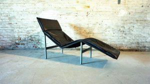 chaise longue scandinave en cuir noir. Design du XXème. Vintage. Galerie87.com. Tord Björklund