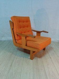 Paire de fauteuils tripode, Guillerme et Chambron. Antiquités du XXème. www.galerie87.com