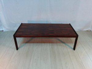Table de salon scandinave en palissandre. Antiquités du XXème. Design du XXème. Meuble vintage. www.galerie87.comm