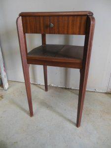 Table d'appoint en macassar. Antiquités du XXème. Design du XXème. Meuble vintage. www.galerie87.com