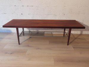 """Table basse en teck """"WEBE"""". Antiquités du XXème. Design du XXème. www.galerie87.com"""