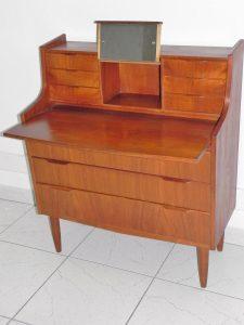 Secrétaire scandinave. Design du XXème. Vintage. Antiquités. www.galerie87.com