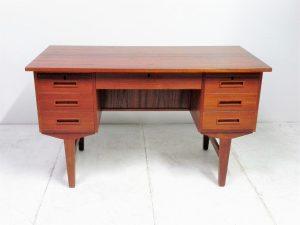 Bureau scandinave en teck. Design du XXème. Vintage. Antiquités. www.galerie87.com