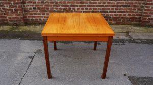 Table à manger scandinave en teck. Design. Vintagfe. XXème. Galerie87.com