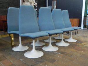 Chaises scandinaves style Saarinen. Antiquités du XXème. Design du XXème. www.galerie87.com