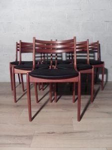 Chaises, Kai Kristiansen, Johannès Andersen. Antiquités du XXème. Design du XXème. www.galerie87.com