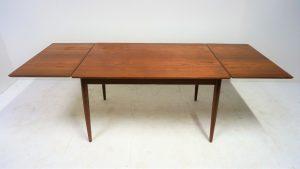Table à manger scandinave en teck. Vintage. design du XXème. antiquités du XXème. Galerie87