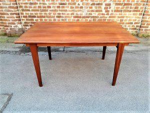 Table de salle à manger vintage scandinave en teck. Design. XXème. Midcentury. Galerie87.com