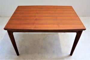 Table de salle à manger scandinave en teck H. Kjaernulf. Vintage. Design. Antiquités du XXème. Midcentury. Galerie87.com