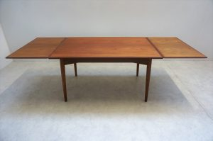 Table scandinave en teck Omann Jun. 3
