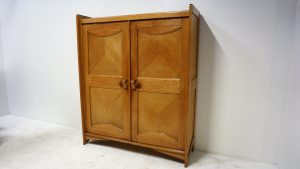 Armoire Guillerme et Chambron. vintage. design du XXème. antiquités du XXème. www.galerie87.com