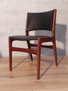 4 chaises scandinave en teck. Antiquités du XXème. Design du XXème. www.galerie87.com