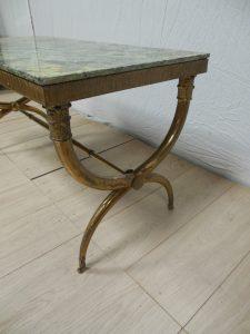 Table basse néo-classique. Antiquités du XXème. Design du XXème. Meuble vintage. www.galerie87.com