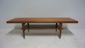 Table basse teck. Scandinave. design du XXème. vintage. antiquités du XXème. www.galerie87.com