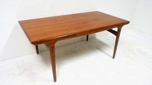 Table scandinave en teck Johannes Andersen. Vintage. Design du XXème. Antiquités. Galerie87.com