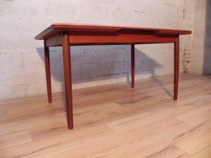 Table scandinave en teck. Antiquités. Design du XXème. vintage. Galerie87